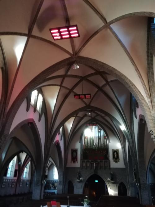 Kerkverwarming met elektrische infraroodstralers